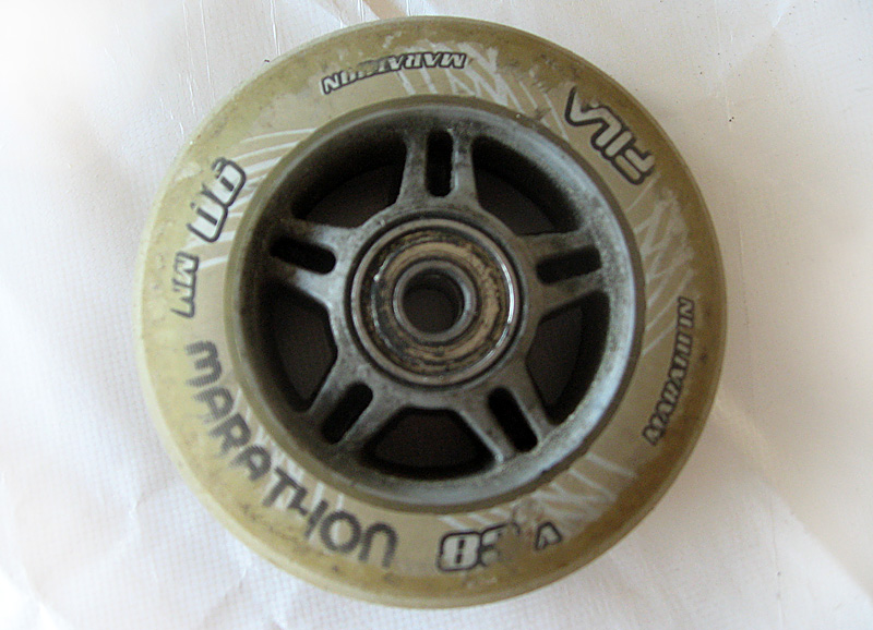 ancienne de roue roller fila avec roulements