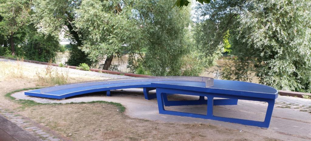 Tables de ping-pong du Pink-pong park - Laurent Perbos