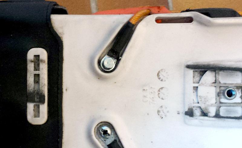 Câble de serrage fixé par la nouvelle vis