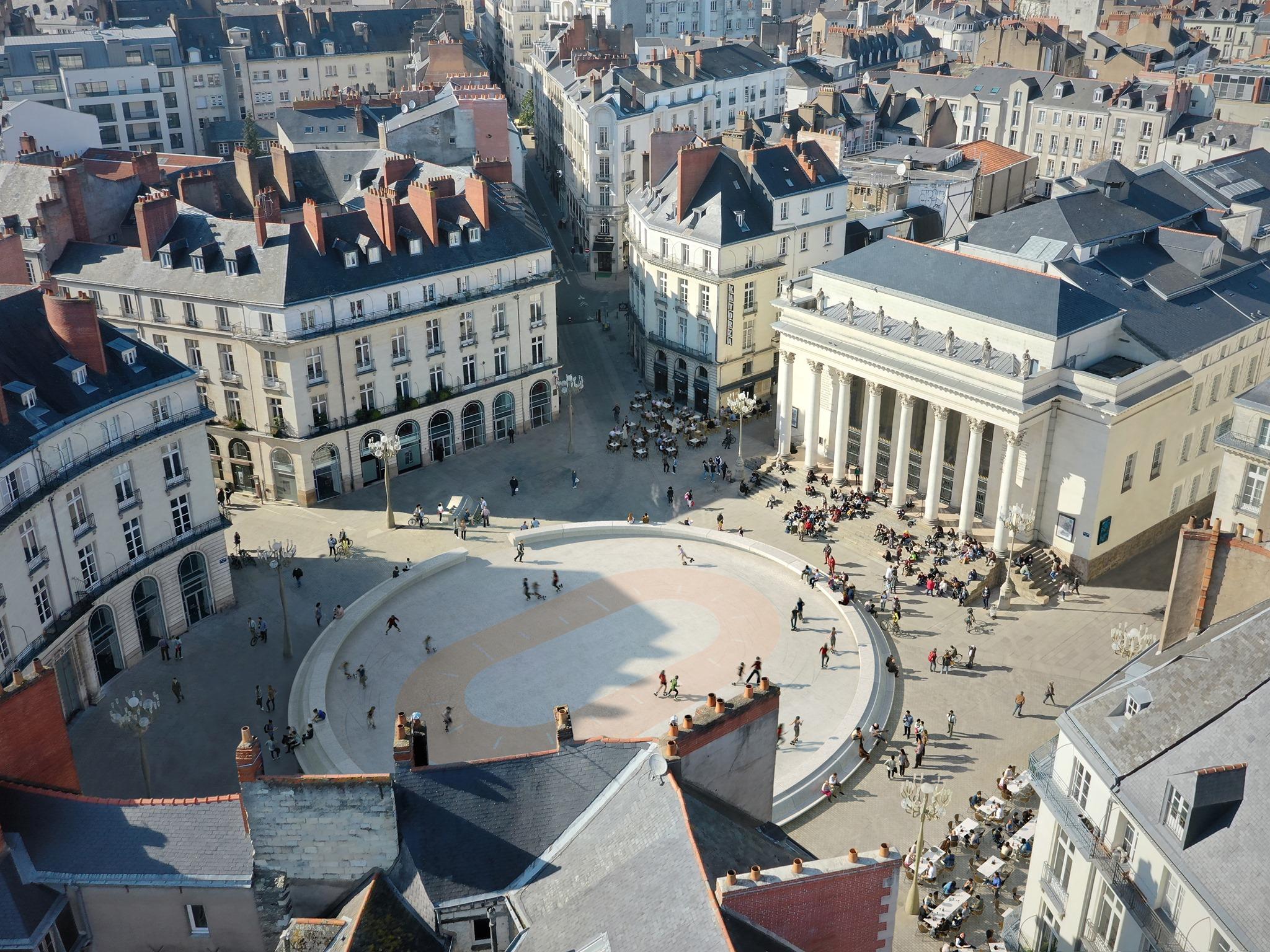 Esquisse de la piste de roller qui s'installera place Graslin cet été pour le Voyage à Nantes 2021